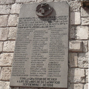 "A commemorative plaque located at the San Jacinto Plaza in the district of San Ángel, Mexico City. ""In memory of the Irish soldiers of the heroic St. Patrick's Battalion, martyrs who gave their lives to the Mexican cause in the United States' unjust invasion of 1847""."