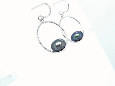 black-pearl-peacock-pearl-earrings-wexford-jewelers