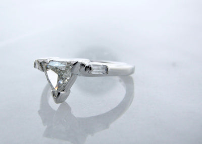 white-gold-triangle-cut-diamond-wedding-ring-set-wexford-jewelers