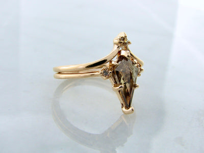 kite-shaped-diamond-yellow-gold-engagement-ring-wexford-jewelers