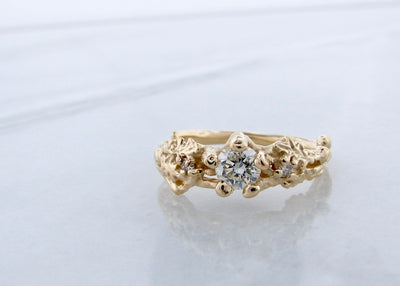 oak-leaf-forrest-wedding-ring-diamond-yellow-gold-wexford-jewelers