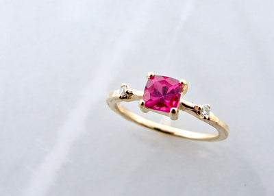 cushion-cut-pink-tourmaline-yellow-gold-diamond-ring