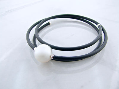 neoprene-natural-south-sea-pearl-necklace-choker-wexford-jewelers