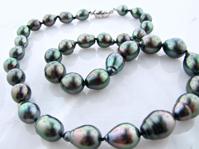 black-pearl-necklace-wexford-jewelers