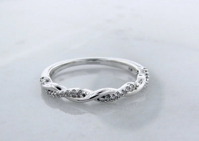 Shining-twist-white-gold-diamond-ring-wexford-jewelers