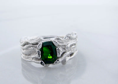 wexford-jewelers-silver-wood-grained-ring-green-tourmaline