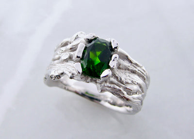green-tourmaline-silver-wood-grain-ring-wexford-jewelers