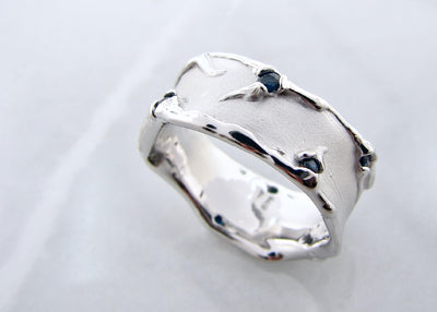 wexford-jewelers-melted-non-bianary-blue-sapphire-silver-ring