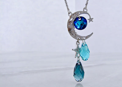 wexford-jewelers-silver-cresent-moon-necklace