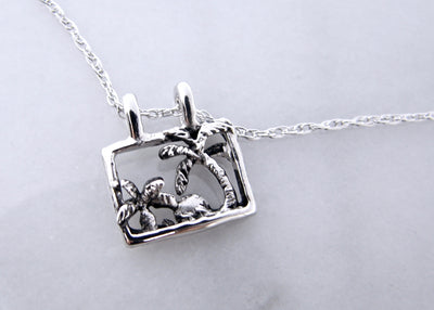 silver-pendant-beach-scenery-necklace-wexford-jewelers