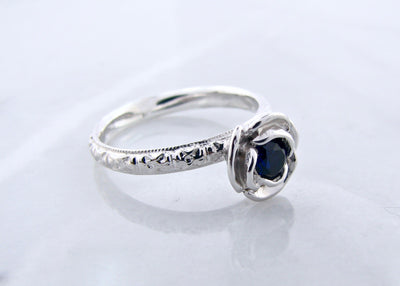 silver-blue-sapphire-vintage-birthstone-ring-wexford-jewelers