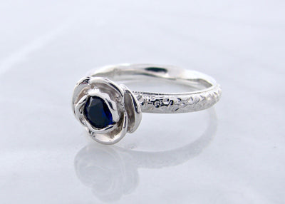 wexford-jewelers-silver-sapphire-ring-rose