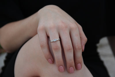 smooth-setting-low-profile-triple-stone-band-ring