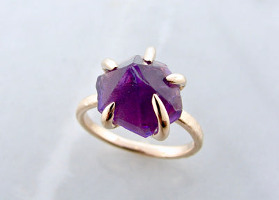 amethyst-raw-gemstone-yellow-gold-ring-wexford-jewelers
