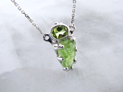oval-peridot-rough-cut-peridot-necklace-weford-jewelers