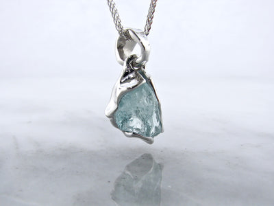 icy-cool-raw-aquamarine-bezel-set-silver-necklace