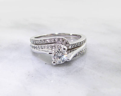 Diamond White Gold Wedding Set, Twist