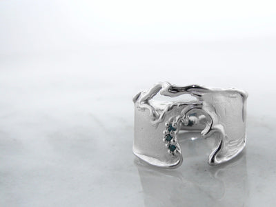 wexford-jewelers-blue-diamond-silver-rustic-ring