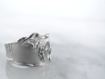 wexford-jewelers-michigan-silver-blue-diamond-ring