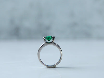 silver-bar-set-ring-emerald-modern-wexford-jewelers