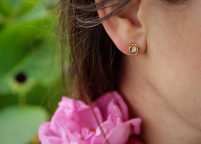 diamond-earring-rose-gold-roses-wexford-jewelers-dainty