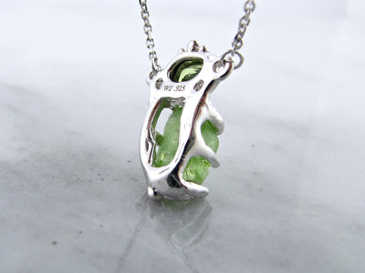 silver-rough-cut-peridot-split-chain-pendant-wexford-jewelers