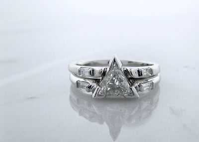wexford-jewelers-triangle-shape-diamond-14K-white-gold-wedding-ring-set