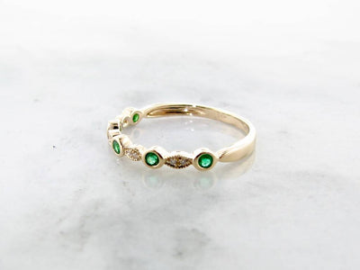 Emerald Diamond Yellow Gold Stacking Ring, Tempo