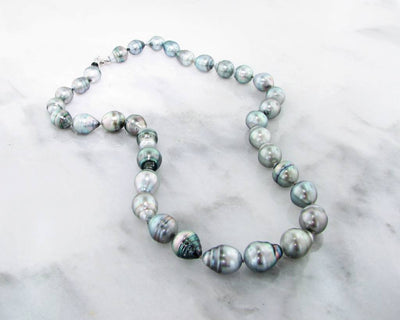White Gold, Tahitian Pearl Necklace, Medium Gray
