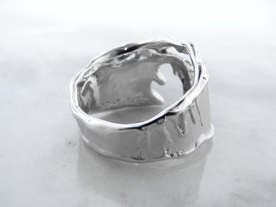 rustic-silver-michigan-shaped-blue-diamond-ring-wexford-jewelers