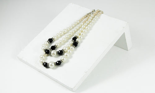 Black & White Two Rows Necklace Vintage