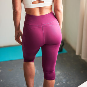 Jaya 3/4 Length Cropped Leggings in Pink