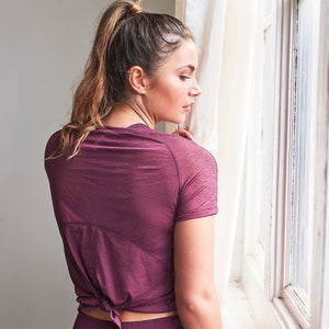 Lissa Short Sleeve Tie Back Gym Top in Berry
