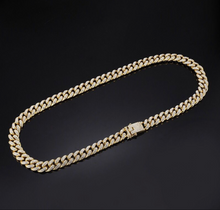 Load image into Gallery viewer, THE METAMORPH CHOKER.