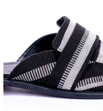 Load image into Gallery viewer, The Keffi half loafer - Weave 7