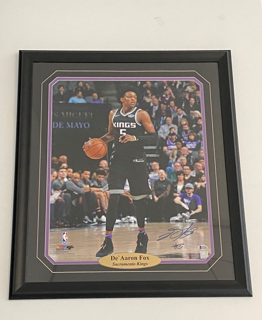 De'Aaron Fox Sacramento Kings Authentic Autographed Framed 16X20 Photograph