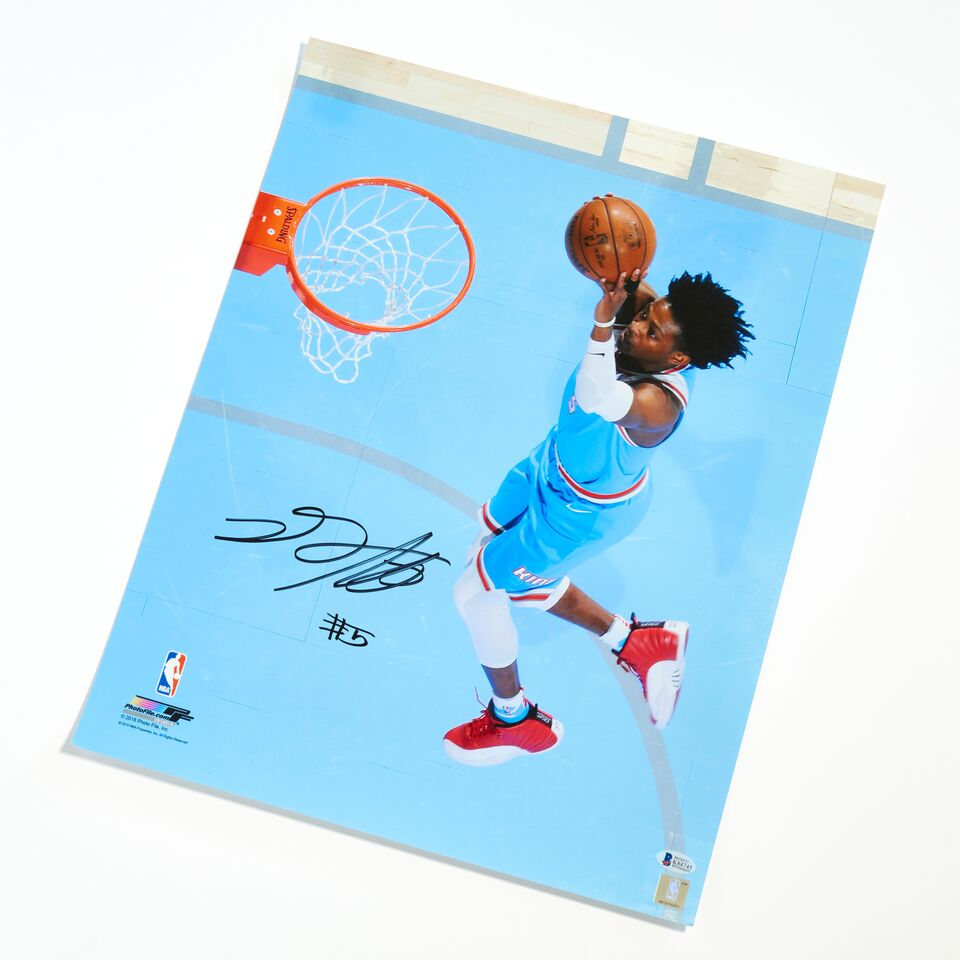 De'Aaron Fox Sacramento Kings Authentic Autographed 16x20 Dunk Photograph