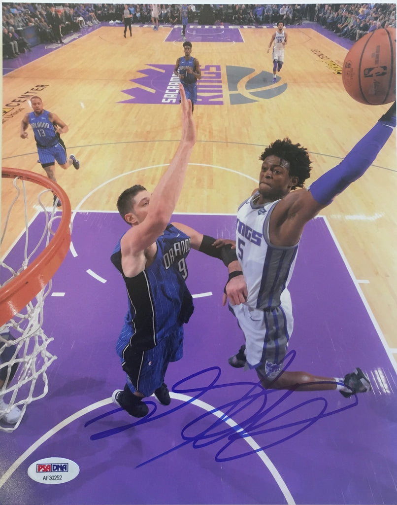 De'AaronFox Sacramento Kings Authentic Autographed 8X10 Dunk Photograph