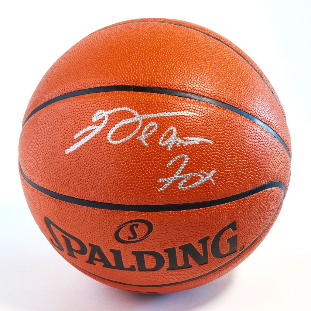 De Aaron Fox Sacramento Kings Officially Licensed Spalding NBA Replica Game  Ball Signed in Silver 193c31484