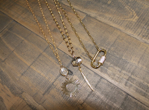Short Pendant Necklaces