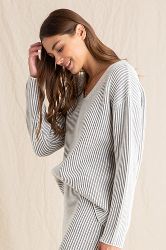 The Samantha V-Neck Sweater Top in 2 Colors