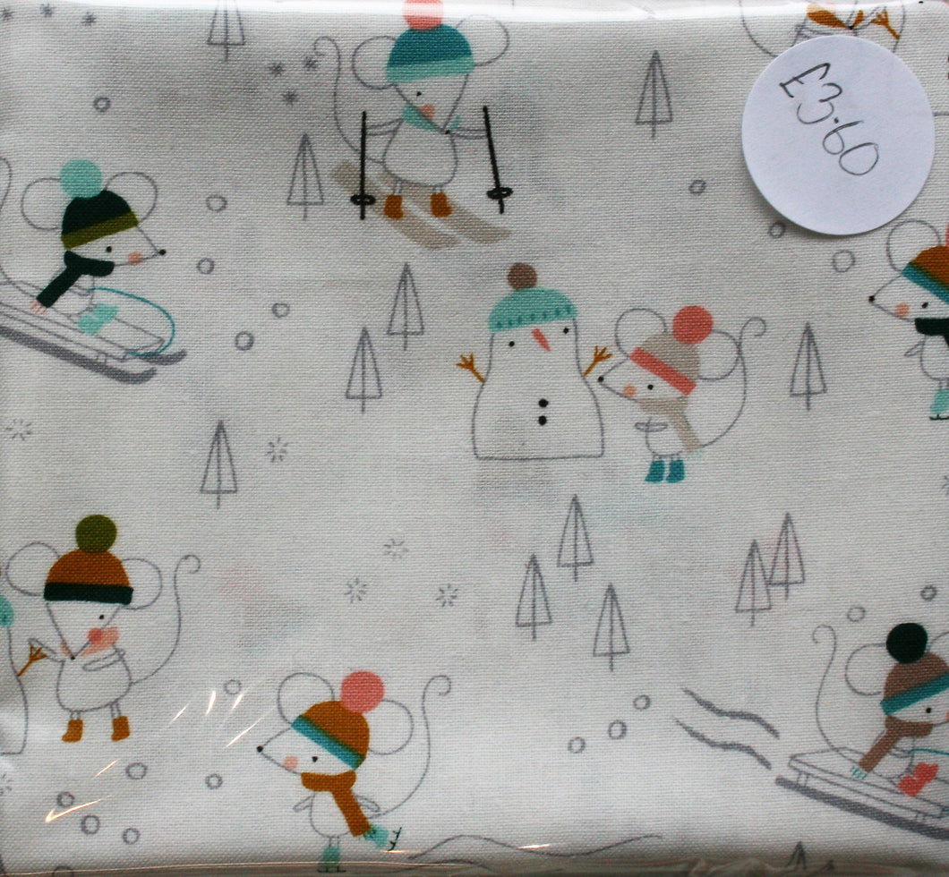 Mice in the Snow - Christmas Party Collection - Cotton - Fat Quarter (Approx 56cm x 50cm)