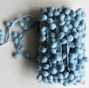 Pale Blue - Pompoms