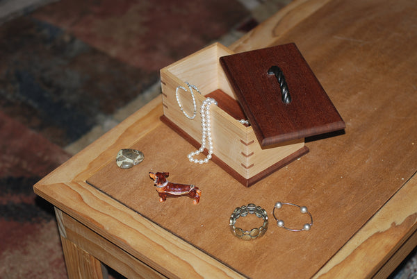 Keepsake Memory Box (Mahogany & Maple) Brass Handle