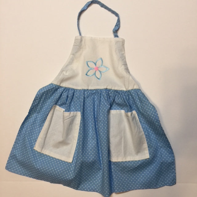 Nostalgic light blue dotted apron with embroidered blue flower with pink center