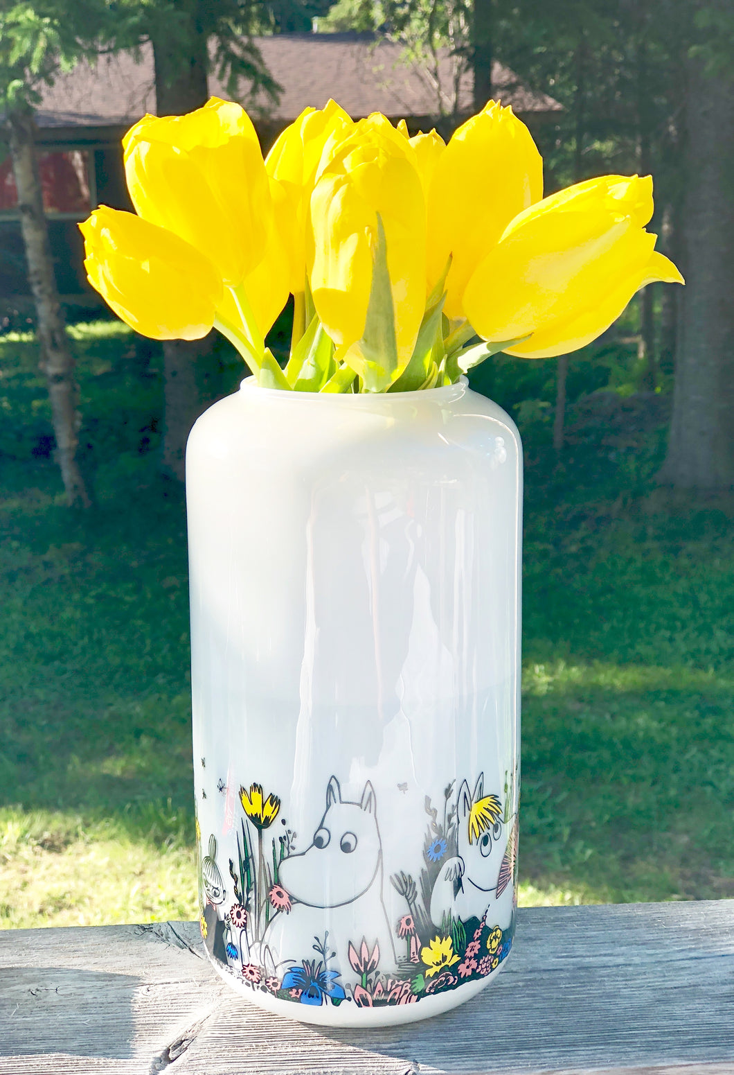 Shared Moment Vase White