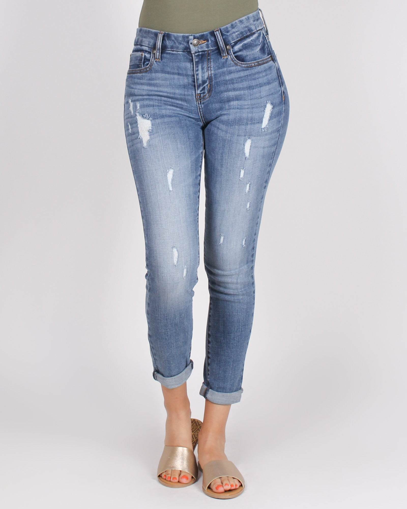 Vibin' and Thrivin' Mid-rise Jeans (Medium)