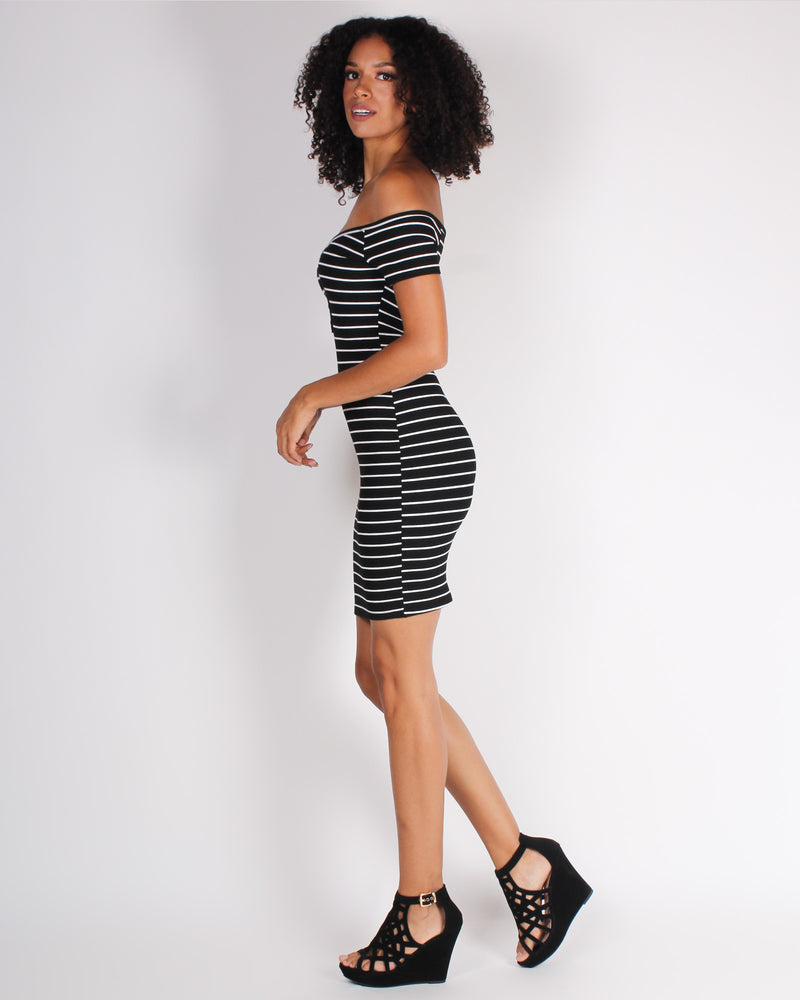 Look Too Good to Give AF Off the Shoulder Bodycon Dress (Black)
