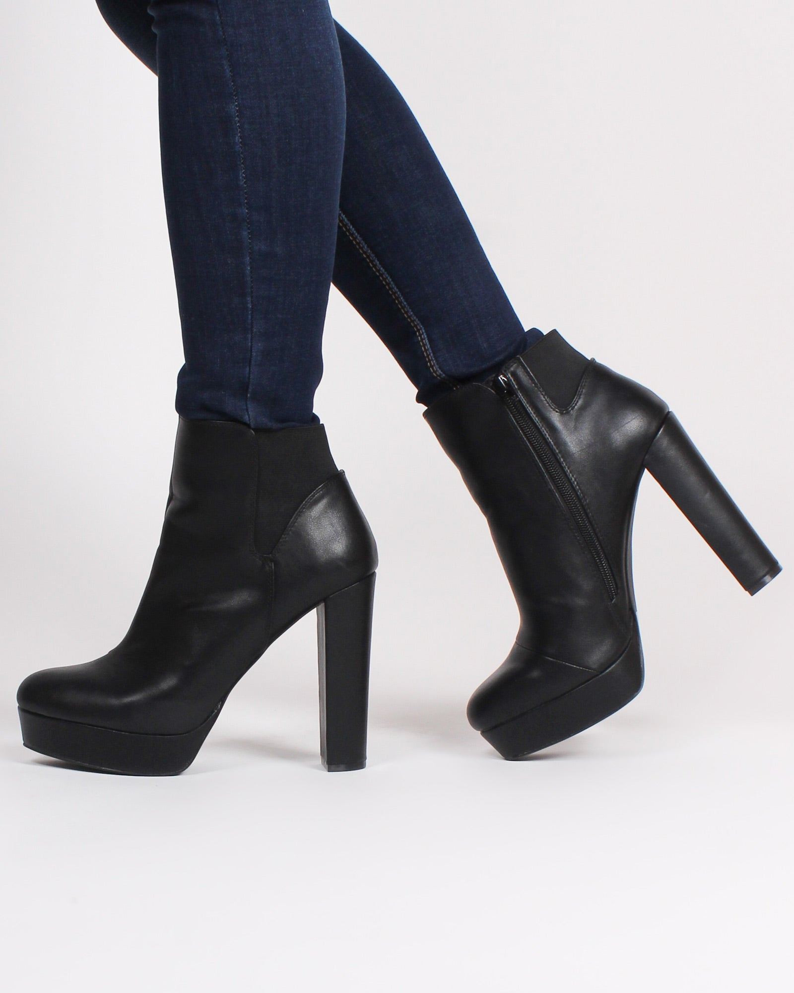 Fashion Q Shop Q Reno Chunky Heel Booties (Black) MASCARA-03X
