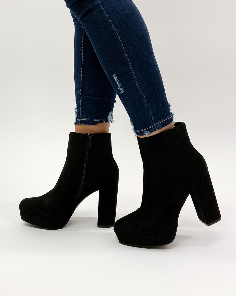 Fashion Q Shop Q Bellevue Chunky Heel Booties (Black) SORBET-01